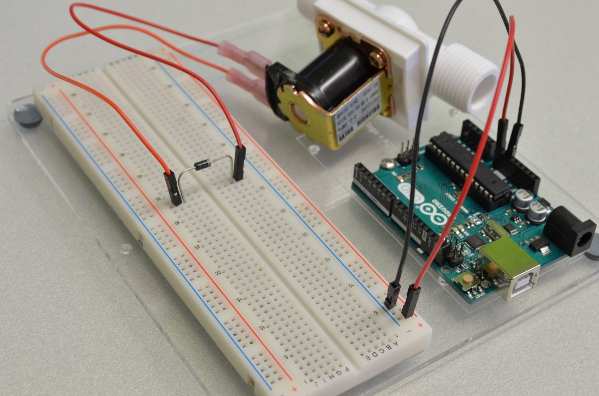 Measuring Voltage with Arduino - Electronics for